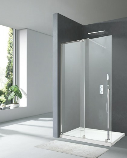 Shower screen Glass fixed with putting a log X-motion 200-cm profile, Chrome/black and crystal 8mm